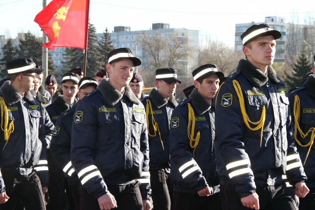 Восемь тысяч человек вышли сегодня на демонстрацию в Балаково, фото-13