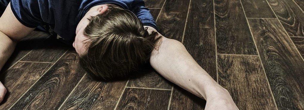Мужчина, у которого была проломлена голова, умер по другой причине